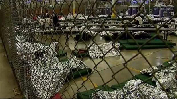 Video: Más protestas contra niños migrantes