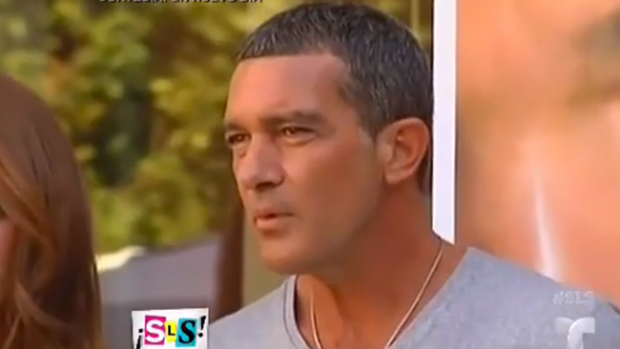 Video: Antonio Banderas ya no oculta su amor