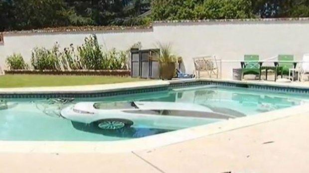 Video: Gran susto en una piscina residencial