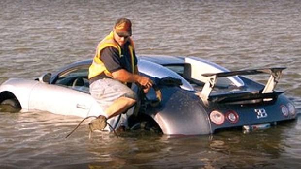 Video: Reconoce haber lanzado Bugatti al mar