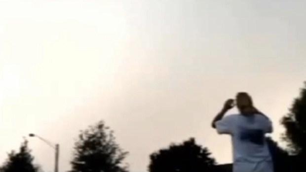 Video: Le cae un rayo y se salva de milagro