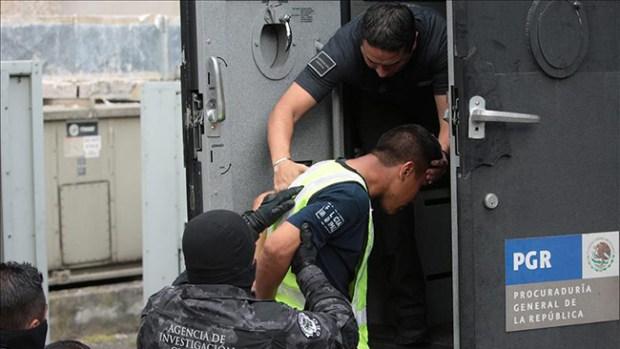 Video: Arrestan a líder acusado de desaparecer estudiantes
