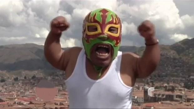 Video: El luchador más pequeño del mundo