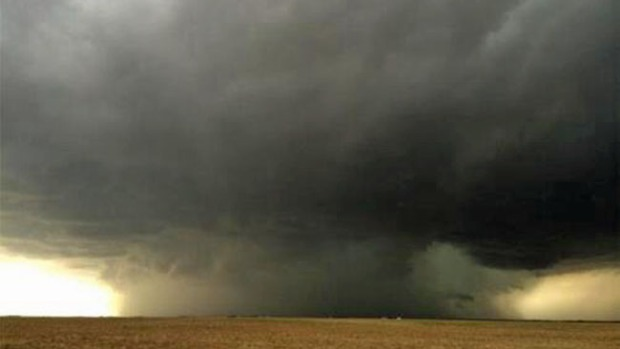 Video: Tornado azota el oeste de Michigan