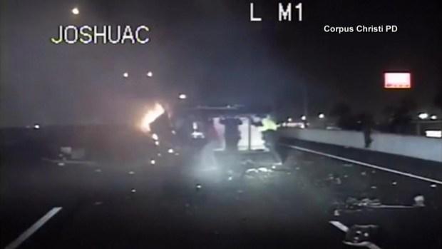 [TLMD - LV] Rescatan a hombre de vehículo en llamas