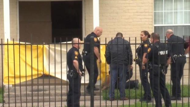 [TLMD - SA] Buscan a pistolero tras balacera en Spriggsdale Boulevard