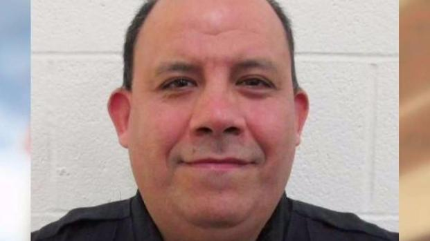 [TLMD - SA] Oficial del condado Bexar acusado abusar de menor