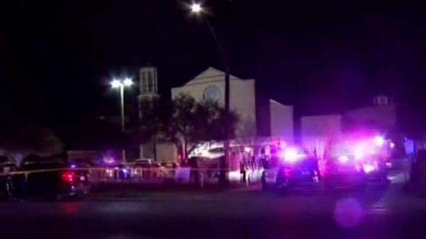 [TLMD - SA] Sacerdote condena mortal balacera en su parroquia