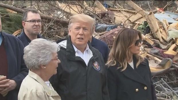 Trump visita pueblo devastado por mortal tornado