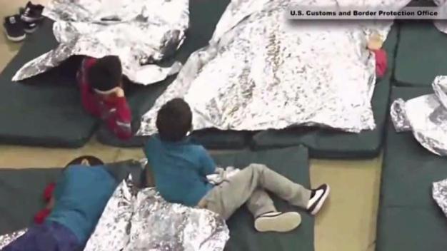 Caravana sale de San Antonio en apoyo a niños migrantes