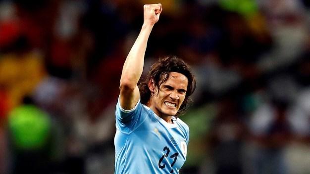 Cavani mete el 2-0 ante Ecuador con un golazo de tijera