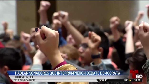 Dreamers interrumpen debate demócrata en protesta