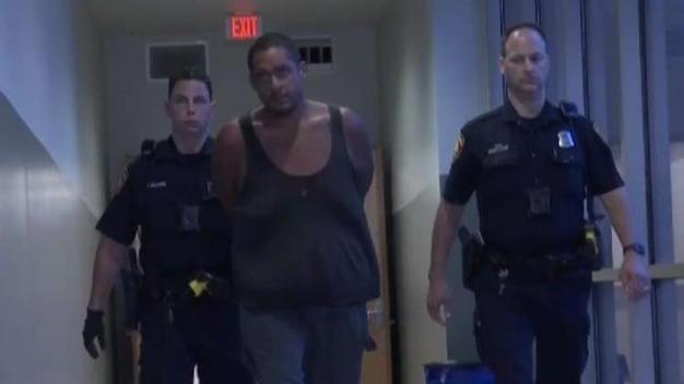 Encuentran cuerpo de un hombre y arrestan al sospechoso