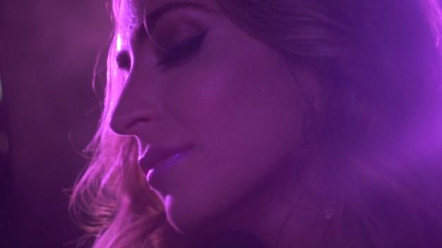 """Mirella Cesa estrena su video """"En ti"""""""