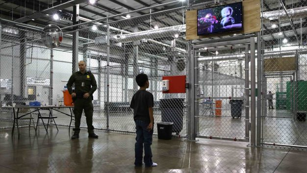 EEUU tendría más de 100,000 niños migrantes detenidos}