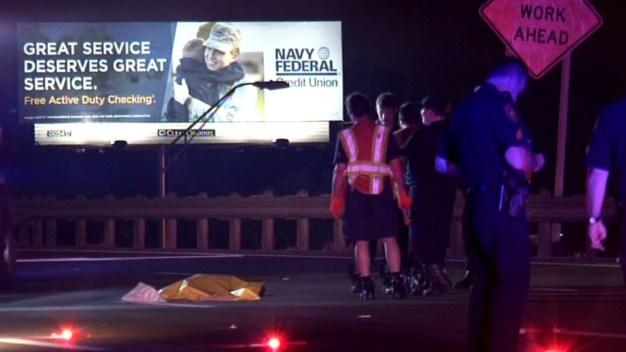 Patrulla y dos autos más atropellan a hombre en la I-35