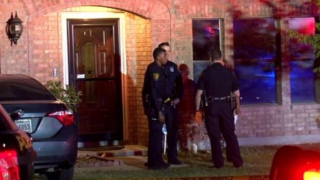Mujer mata a su hijo por defender a hija: policía