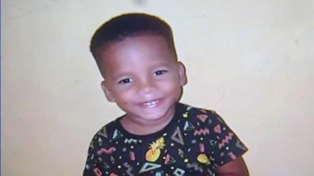 Policía: niño de tres años es asesinado por un iPhone