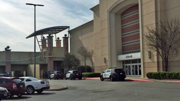 Se reporta robo en joyería de South Park Mall