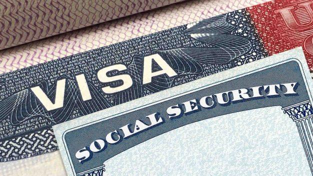 """El """"muro invisible"""" de Trump que complica obtener la visa"""