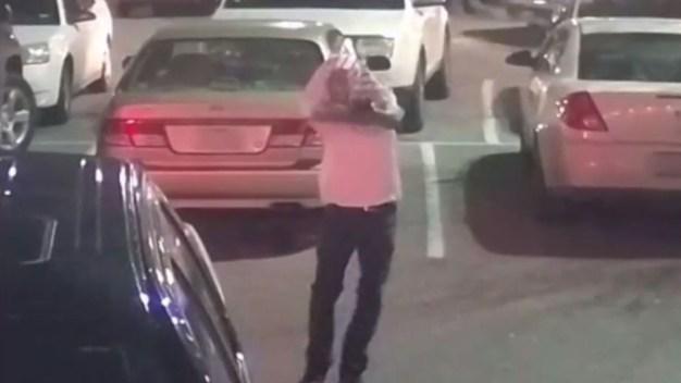 Revelan imágenes de balacera afuera de restaurante