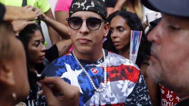 Daddy Yankee: a favor de juicio político para Roselló