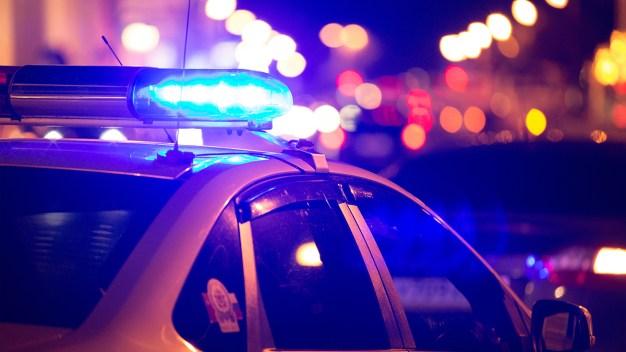 Mujer muere al chocar con semáforo en New Braunfels