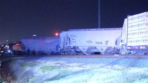 Descarrilamiento de tren bloquea calles al oeste de SA