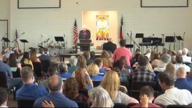 Abre nueva iglesia tras masacre en Sutherland Springs