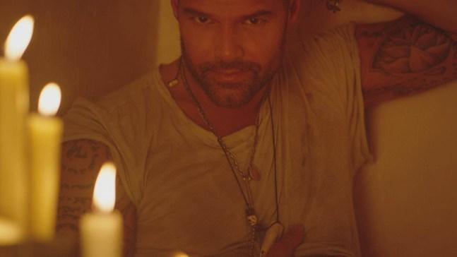 "Ricky Martin lanza su nuevo sencillo ""Fiebre"""