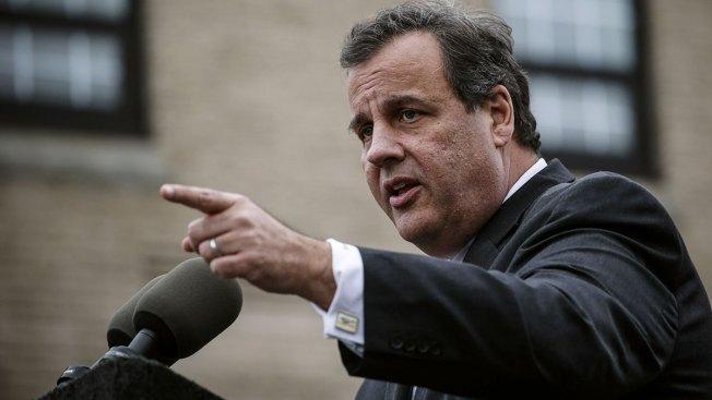 Christie se une a lucha contra alivio migratorio