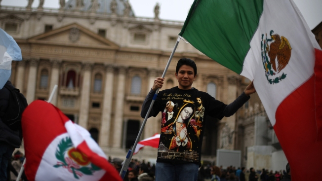 Mexicanos piden al Papa Francisco que los visite