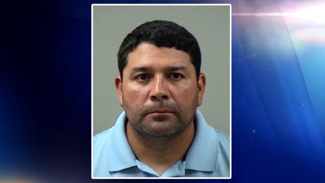 Entrenador de escuela arrestado por cuarta vez