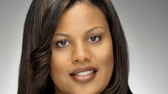 Alcaldesa de Baltimore impone toque de queda