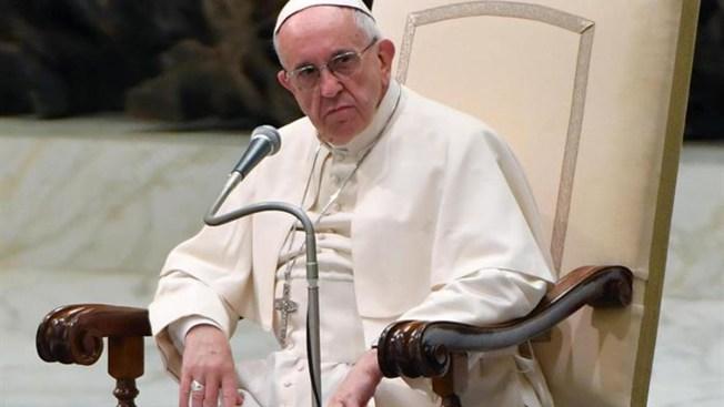 """Papa condena """"el drama"""" de la violencia contra las mujeres"""
