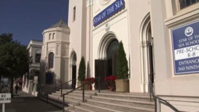 Iglesia católica prohíbe a las niñas monaguillo
