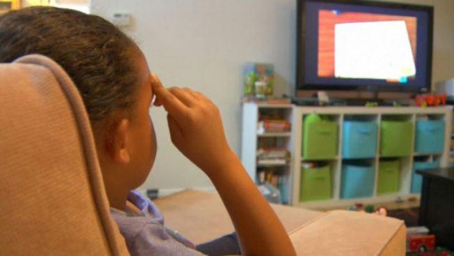 Ver mucha TV aumenta riesgo de acoso escolar