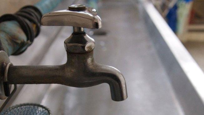 Amplían restricciones del uso del agua