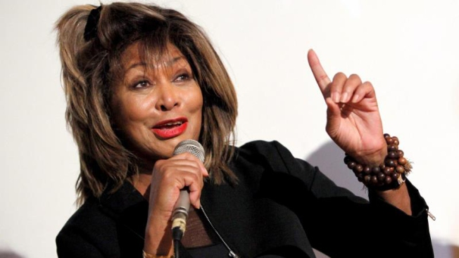 Tina Turner revela que su exesposo la llevó a un burdel para su noche de bodas