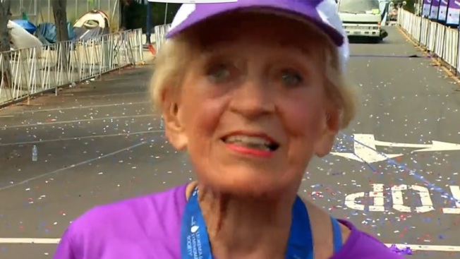 ¡Récord! Abuela de 92 años completa maratón