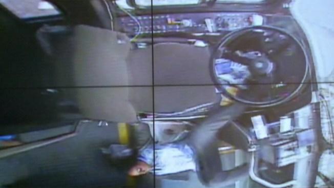 Captada en cámara: conductora irresponsable