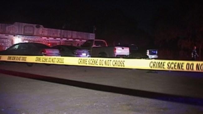Conductor mata a uno tras pelea afuera de bar