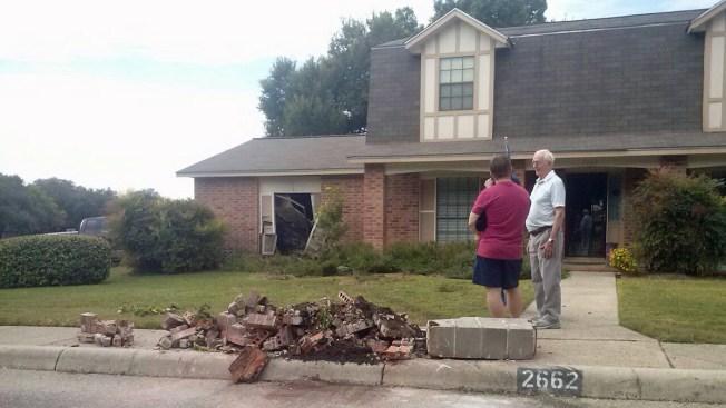 Vecinos atrapan a conductor enfurecido