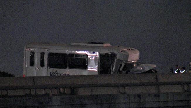 Choque con autobús VIA deja cuatro heridos