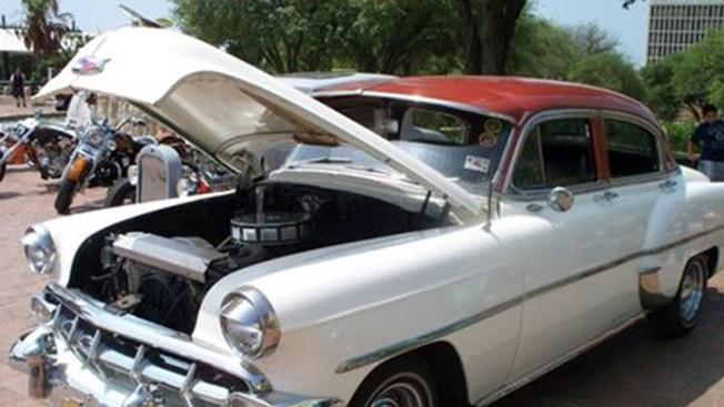 BCSO organiza exhibición de autos