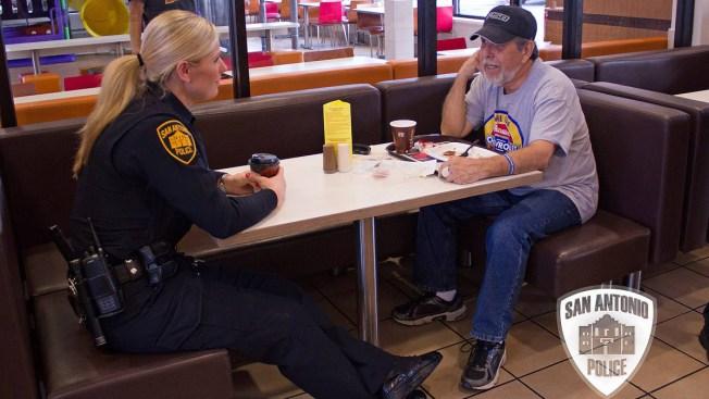 """""""Café con los policías"""" este sábado"""