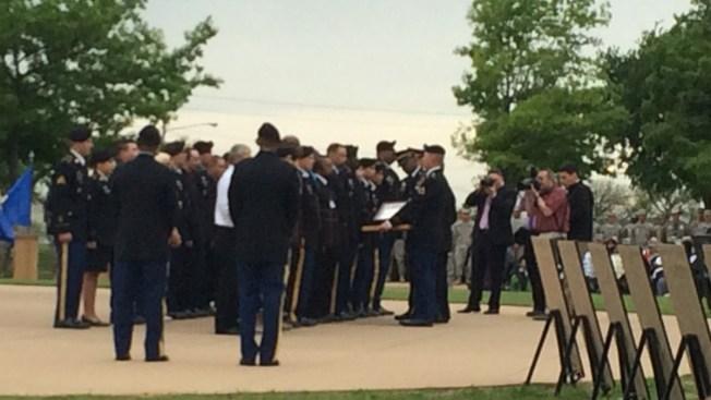 El Pentágono condecora a las víctimas de Fort Hood