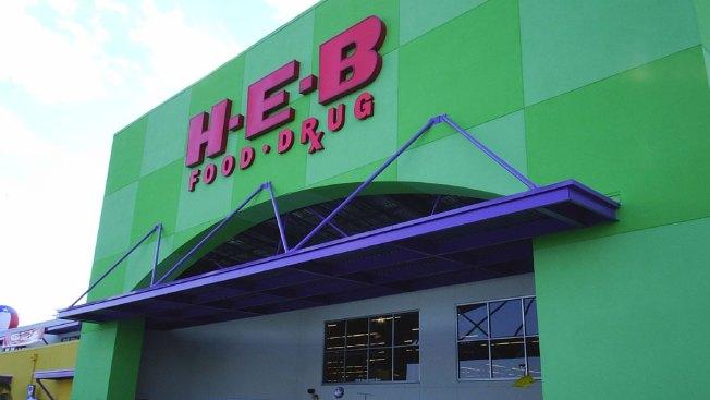 H-E-B retira galones de agua de sus tiendas