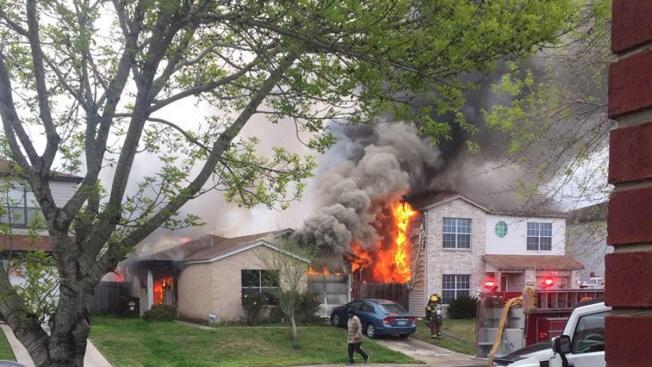 Hombre quemado en incendio cerca de escuela