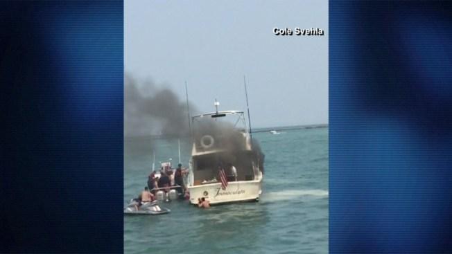 Captado en cámara: incendio sobre el lago
